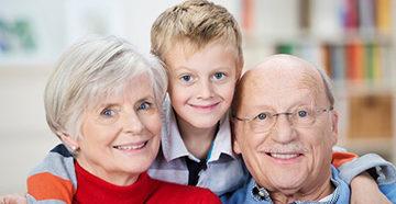 дедушка, бабушка и внук